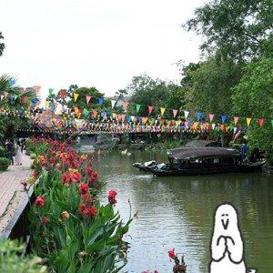 カトリさん、船にのってお買い物ー海外旅行 タイへの旅